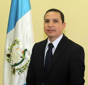 Ricardo Guzmán, Vice ministro.