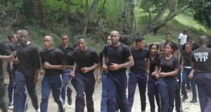 Agentes Penitenciarios se entrenan para  Traslado de Privados de Libertad de Alto Riesgo