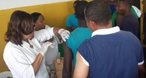 Más de 900 internos del CCR Najayo Hombres fueron vacunados contra el Tétano